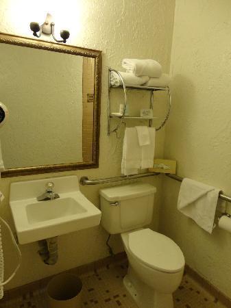 Inn at Oxnard: salle de bains