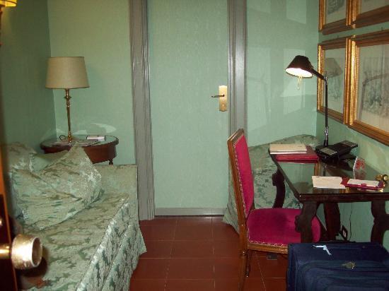 BEST WESTERN Hotel Canada: antesala de la habitación
