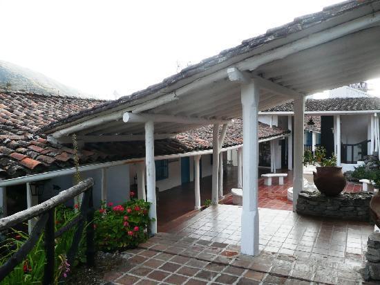 Los Frailes: le pation intérieur coté chambres