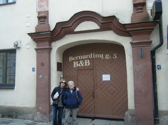 Bernardinu B&B House: in front of it