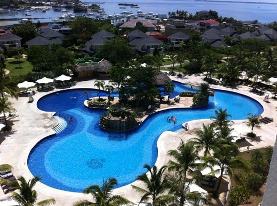 JPark Island Resort & Waterpark, Cebu: Part of the pool there's more
