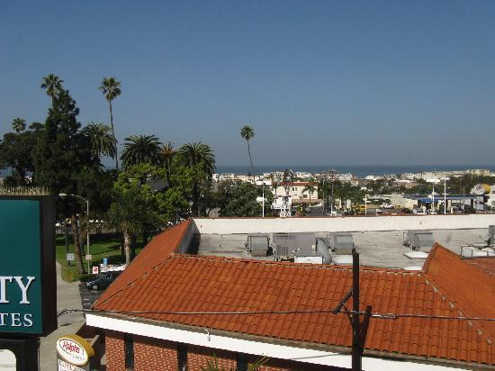 Quality Inn & Suites Hermosa Beach: View from the fitness center