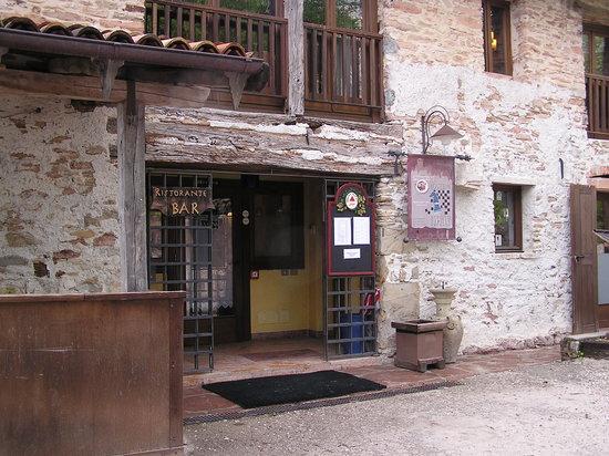 L 39 esterno del ristorante picture of taverna del castello for L esterno del ristorante sinonimo