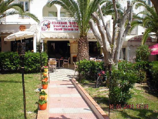 Carne A La Piedra: Re-Opening Plaza de los Cangrejos 8