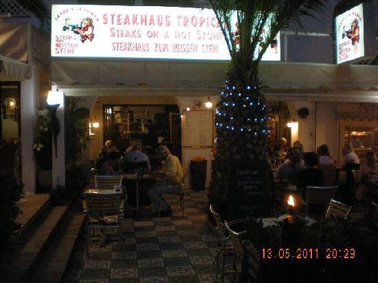 Carne A La Piedra: Re-Opening Plaza de los Cangrejos 15