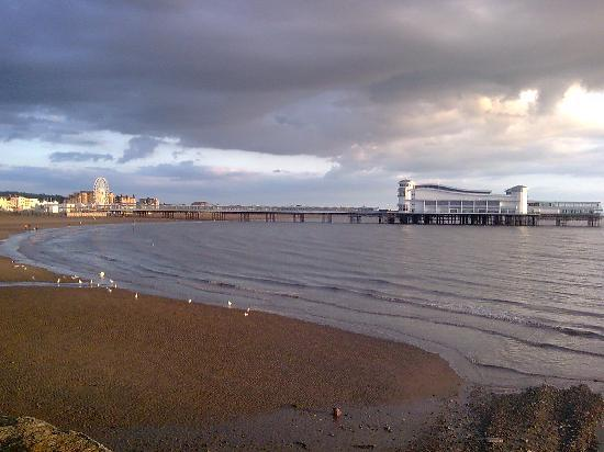 Weston-super-Mare, UK: Grand Pier and Weston Bay