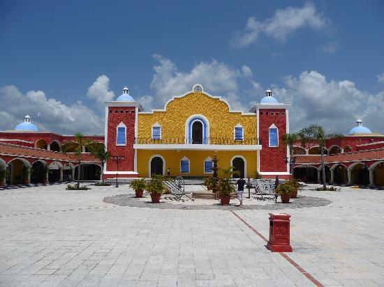 Grand Bahia Principe Tulum: Hacienda Dona Isabelle