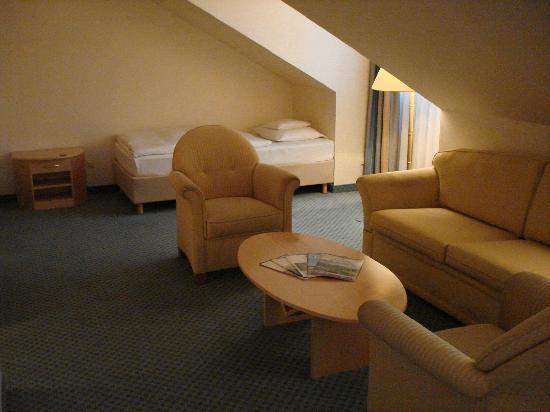 Maritim Hotel Munchen : Möbelgarnitur