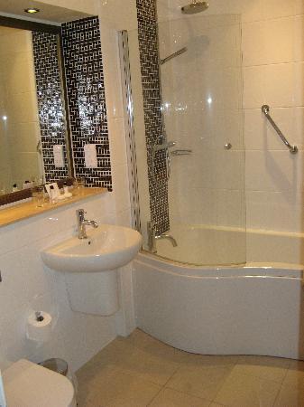 Warner Holme Lacy House Hotel: signature plus bathroom