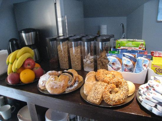 Kapital Inn: Fresh bread at breakfast