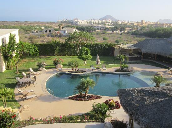 Positano Hotel: Pool and garden - pretty nice