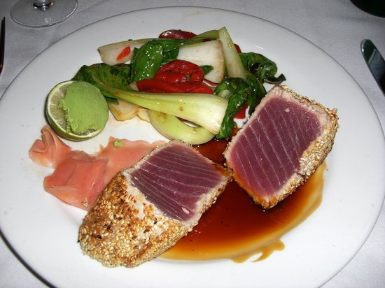 Atlantic Fish Company: Pan Seared Tuna at Atlantic Fish Boston