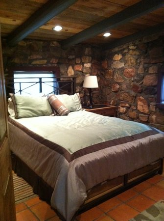 Pack Creek Ranch: gates house bedroom