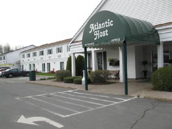 Atlantic Host Hotel : Atlantic Host - Exterior (May 2011)