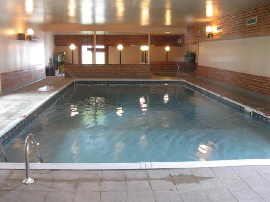 Atlantic Host Hotel : Indoor Pool