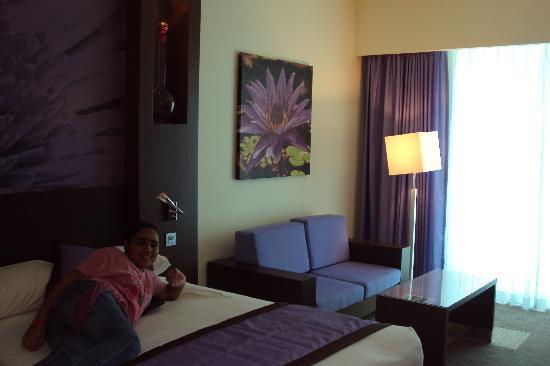 Hotel Riu Plaza Panama: Cómoda habitación