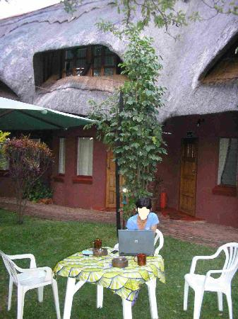 Gerties Lodge Victoria Falls: Outside