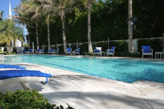 The Seagate Hotel & Spa: Poolside view