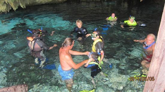 Edventure Tours : Undergound river snorkeling