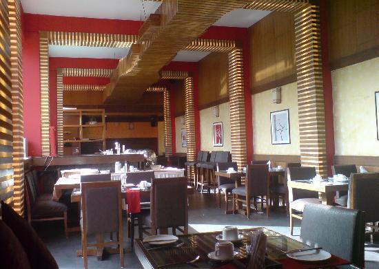 โรงแรมคอรัส: restaurant