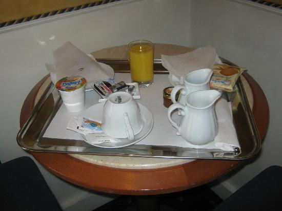 Piazza di Spagna View : breakfast brought to to room each morning