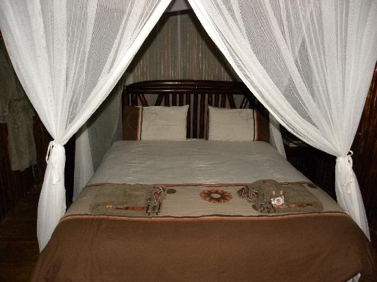 "Pezulu Tree House Game Lodge: The parent bedroom of ""Bush Willow"" tree house"