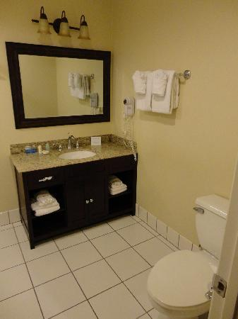 Comfort Inn Monterey by the Sea: salle de bain