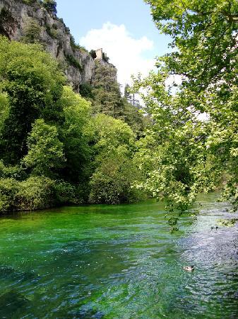 Provence, Prancis: Fontaine de Vaucluse 5