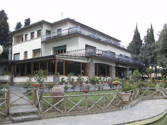 Villa Belvedere - Florence: Hotelansicht vom Schwimmbad