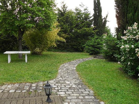 Auberge de Crissay: Le jardin