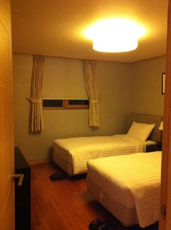 Han Suites Serviced Residences: ベッドルーム