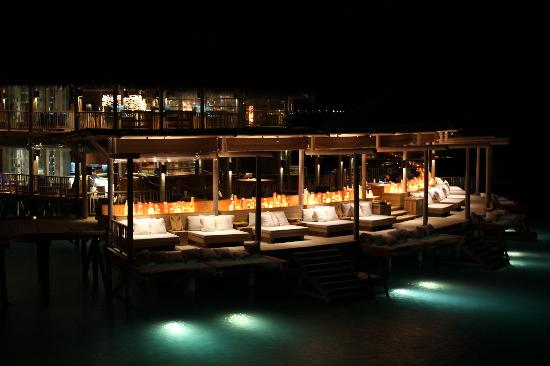 Six Senses Laamu: Chill at night