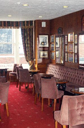 Adelaide House Hotel: our comfortable bar