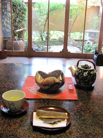 Shiraume: My welcome tea and sweet on the first evening