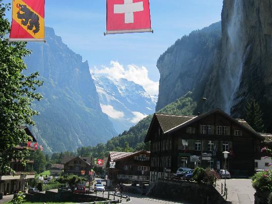Staubbach Fall: 西欧で唯一の落差