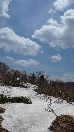 Nozoriko Lake: 6月くらいまでは雪が溶けそうにないですね