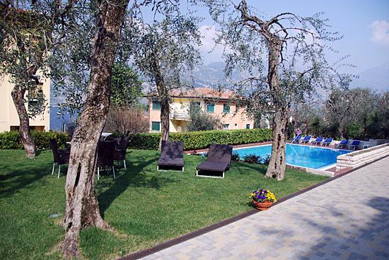 Wellness Hotel Casa Barca: Terrasse und Pool