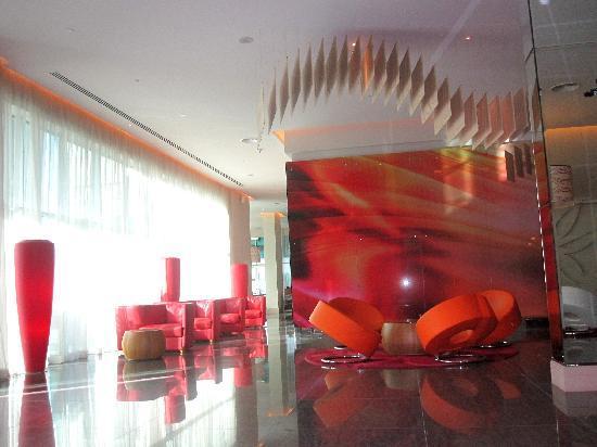 ไอบิส มอลล์ ออฟ เดอะ เอมิเรตส์: Hotel Lobby 2