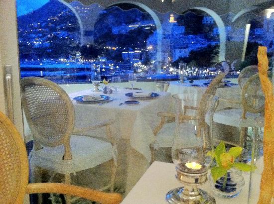 Hotel Marina Riviera: Il nostro tavolo al ristorante Eolo