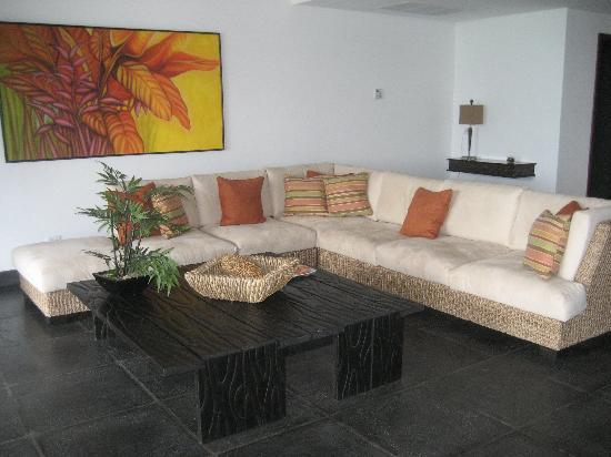 The Preserve at Los Altos: Large Living Room