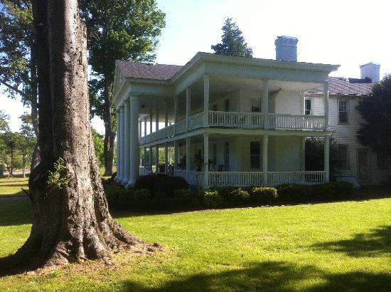 Winston Place: An Antebellum Mansion: A side view