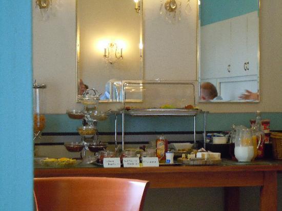 Park Hotel Am Lindenplatz: buffet