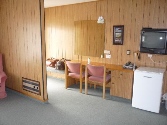 Heritage Court Motor Lodge: Kitchen area