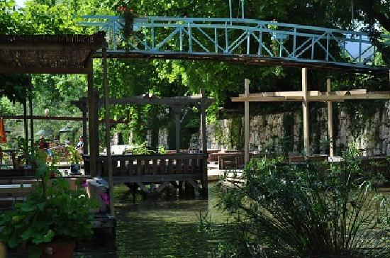 Arikanda River Garden Hotel: Restaurant
