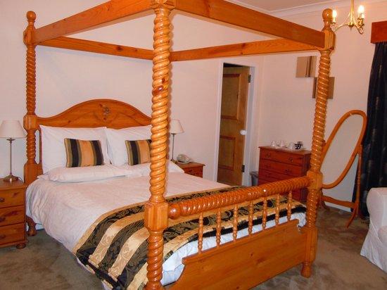 Royal Hotel: Room with balcony