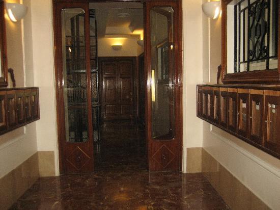 B&B Gerbera Roma: corridoio