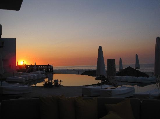 Las Ventanas al Paraiso, A Rosewood Resort: Early morning sunrise, on our patio