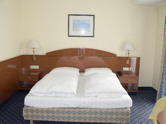 Usbekistan, Taschkent, Hotel Shodlik Palace, Doppelzimmer