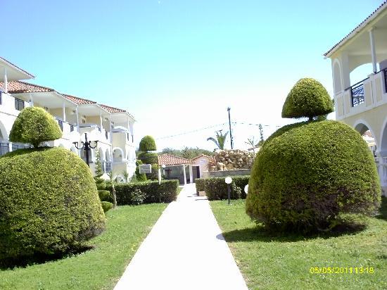 Marelen Hotel: Lovely Gardens