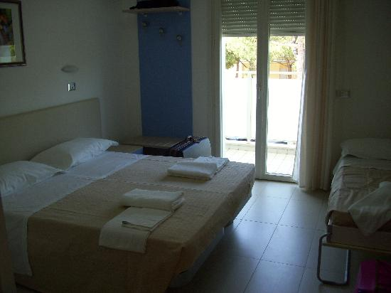 Hotel Gened: camera da letto